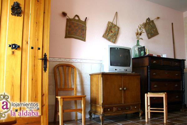 El cuarto de la costura alojamiento for Muebles aldaba